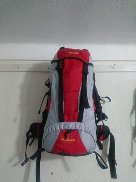 کوله پشتی قرمز مناسب کوهنوردی جنس اصلی