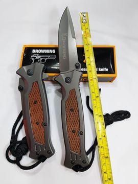چاقو برونیگ ضامن دار طرح دسته چوبی