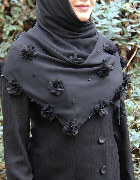 روسری مجلسی مشکی کرپ حریر 15 گل (تک رنگ) قواره ۱۲۰ تا 140