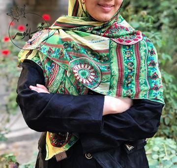 روسري حرير نخی طرح دار قواره ١٢٠ بسيار سبك و راحت (ليز نيست)