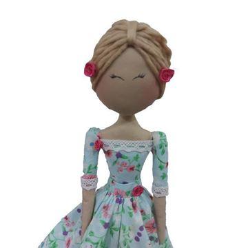 عروسک تیلدا مدل شماره2  طول ۱۰۰ میلی متر عرض ۷۰ میلی متر ارتفاع ۵۰۰ میلی متر وزن ۱۴۳ گرم مناسب همه رده های سنی جنس پارچه نخی، نرم و  قابلیت شست شو در ماشین لباسشویی ندارد