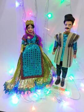 عروسک سنتی بختیاری قد عروسک خانم30 و قد آقا 33 سانت،جنس پلاستیک،جنس لباس آقا نمد و پشم و بانو تور و ساتن